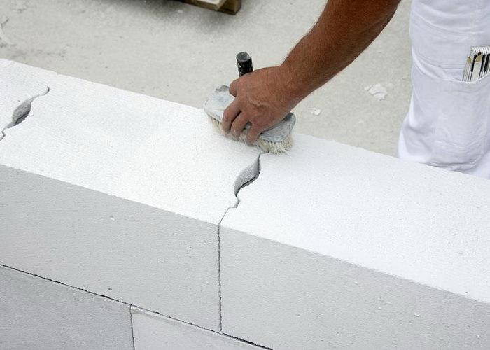 Подготовка поверхности газоблоков