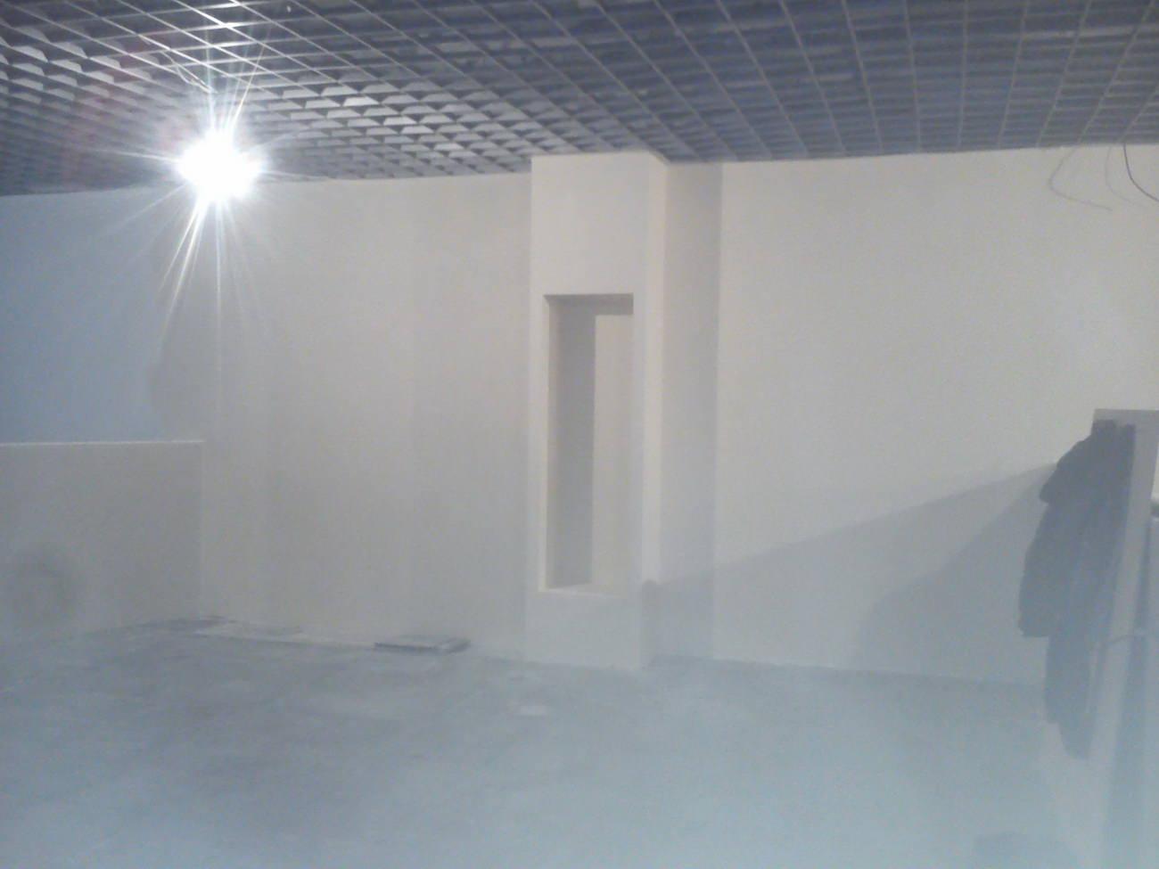 Черновая шпатлевка стен и коробов